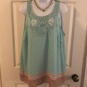 This is a pretty tank blouse.